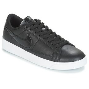 Xαμηλά Sneakers Nike BLAZER LOW ESSENTIAL W ΣΤΕΛΕΧΟΣ: Δέρμα και συνθετικό & ΕΠΕΝΔΥΣΗ: Ύφασμα & ΕΣ. ΣΟΛΑ: Συνθετικό & ΕΞ. ΣΟΛΑ: Καουτσούκ